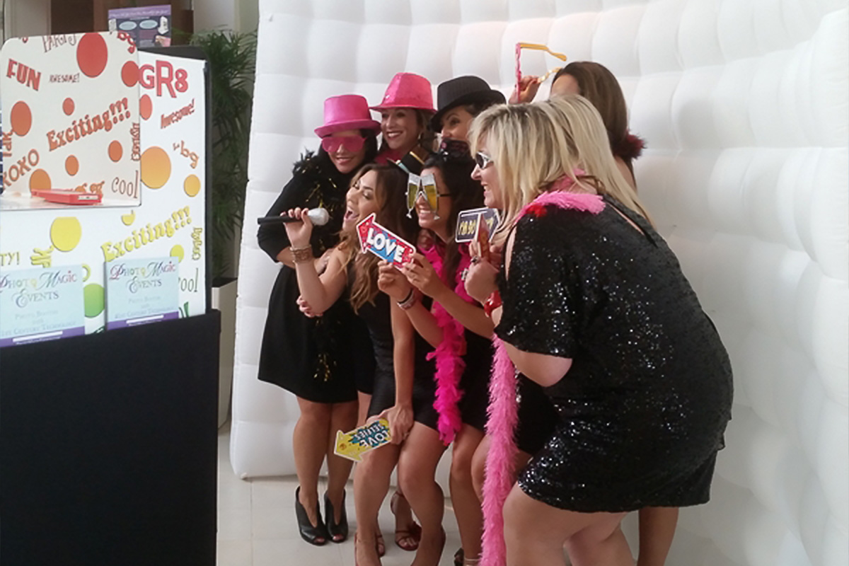 Inflatable Wall Photo Booth Backdrop   Photo Magic Events